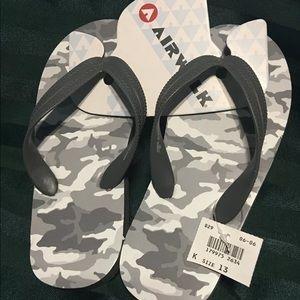 Airwalk Boys Size 13 Flip Flop Sandals